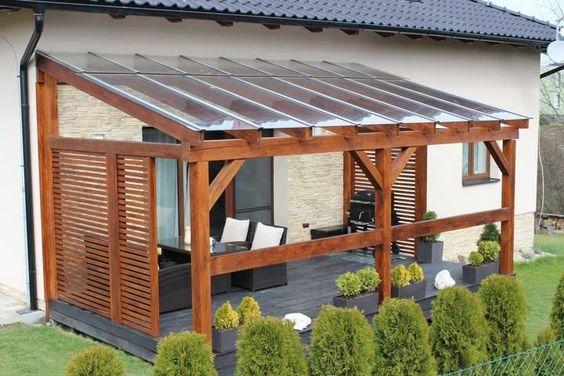Leseni nadstreški iz naravnega ali lepljenega lesa za terase